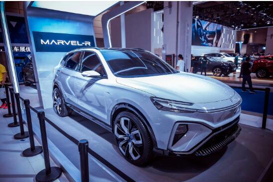 齐鲁车展最大看点!全球首款整舱交互5G电动SUV荣威MARVEL-R惊艳来袭!