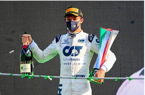 Scuderia Alpha Tauri Honda车队的皮埃尔・加斯利荣获F1首胜