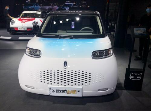 极致炫酷,欧拉白猫在广州车展上好有fashion!